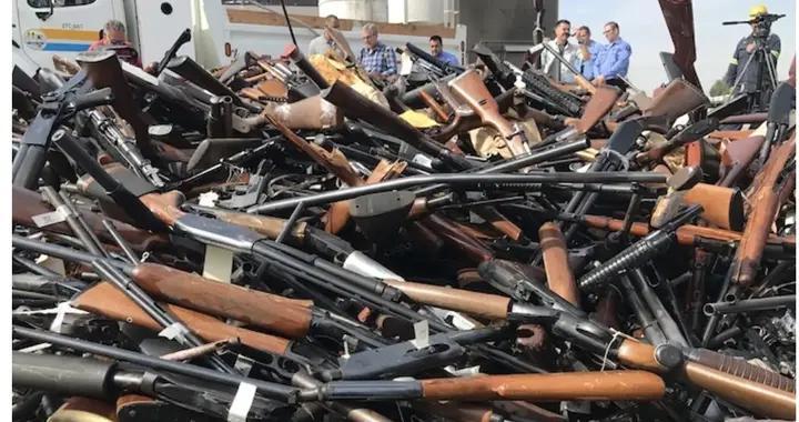 新冠、经济低迷、游行抗议下 美国枪支销售屡创新高