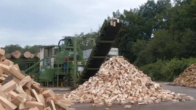 一组木材加工机械设备让你大开眼界!