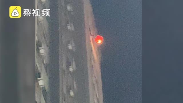 毛坦厂禁放孔明灯,城管连夜提醒,仍有人高楼放飞祈福