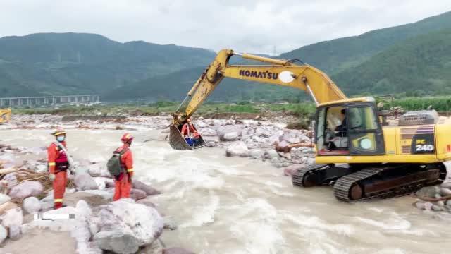 南方多地江河洪水多发频发 各地灾害抢险救援现场直击