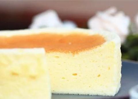 不加一滴油的酸奶蛋糕,低热量,细腻爽滑,甜而不腻,美味健康