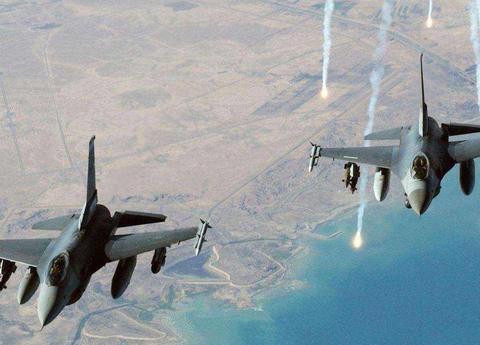 连续六架战机坠毁后,美印代表爆发激烈争吵,白宫威胁将全面封锁