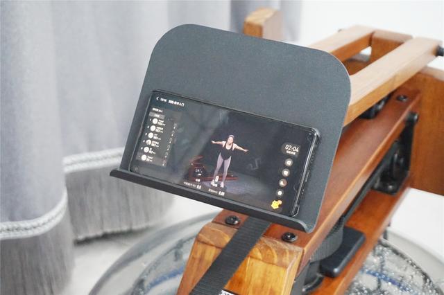 继锤子手机后,罗永浩再推荐一款人人适用的神器,野小兽划船机体验