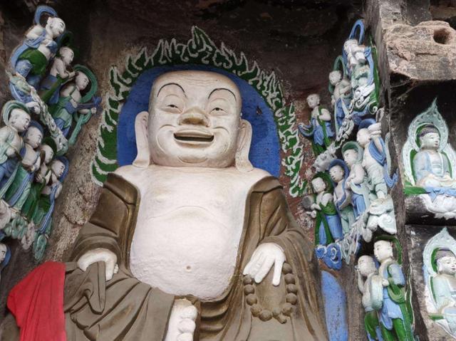 成都这处千年石窟,比重庆大足石刻更悠久,门票免费却无人问津