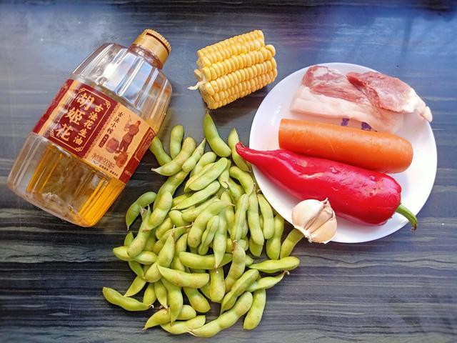 零门槛、小白就能做出的什锦毛豆,10分钟上桌,当下酒菜特别香