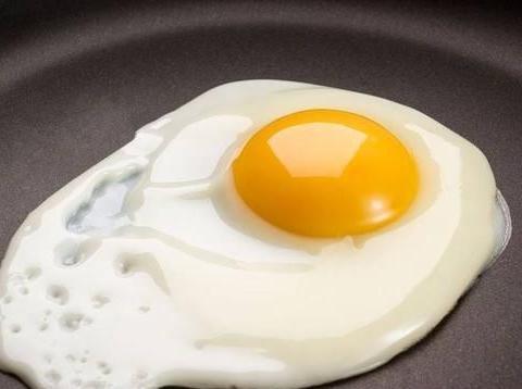 吃蛋黄会导致胆固醇高吗?真相是这样的,你可能一直太担心