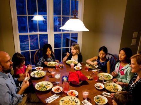 真实走进美国人家庭:看看他们一日三餐吃些啥,和国内有何差异?