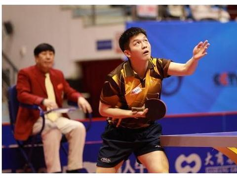 乒乓球运动员场上的小动作,瓦尔德内尔提袜子,佩尔森的导火索
