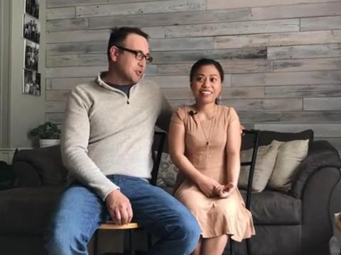 真爱!美国男子娶矮58厘米菲裔女子为妻,两人常被调侃是父女
