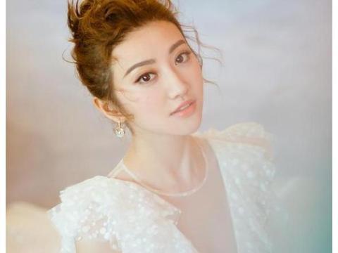 盘点那些白裙惊艳的女星,热巴景甜还有她!
