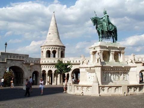 匈牙利最浪漫的城堡,初吻比例高达90%,整个欧洲恋人的朝圣之地