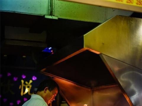 《艋舺》中主角们风行之处,百年老街与生猛夜市,最古早的台北味