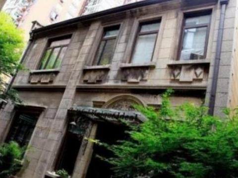走进郭敬明在上海的豪宅,书房比图书馆还大,学识渊博是有原因的