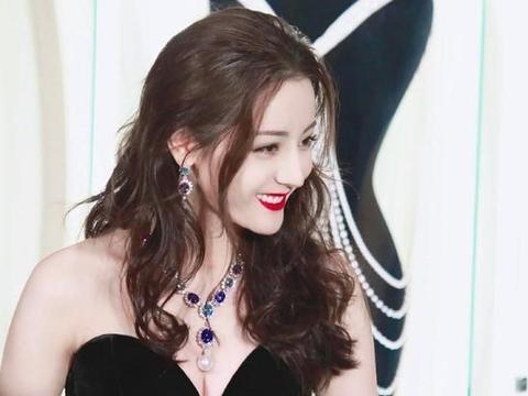 热巴生图美上热搜,李湘发文道见过热巴真人,素颜与妆后的美不同