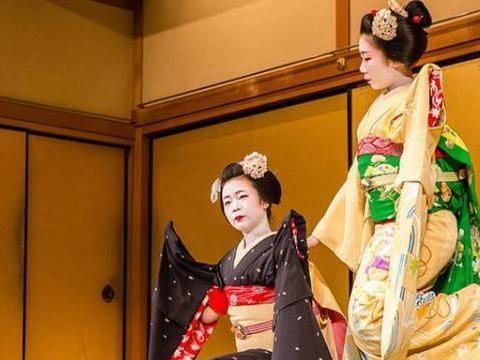 在日本旅游时,看到这样的女孩一定不要拍照,不然就惹上大麻烦