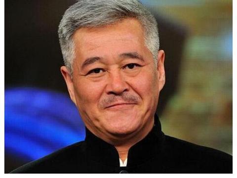 """他是赵本山的爱徒!现在却被""""全网通缉"""",这回师父来也救不了你"""