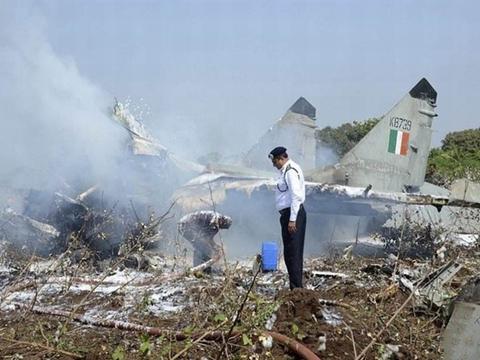 """最奇葩的""""坠机""""事故,战机供氧阀门接错了,飞行员窒息失去意识"""