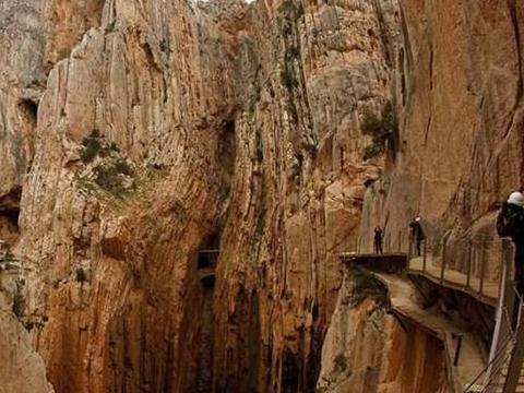 """世界最危险的旅游景点,进入必须签""""生死状"""",每日限600名游客"""