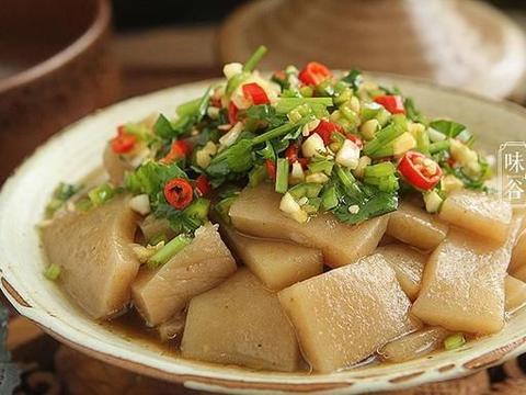 小暑将至,吃肉不如多吃它,拌一拌就上桌,酸爽开胃,饱腹热量低