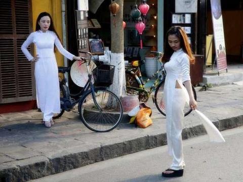 越南景区中文标语:每句都刺痛中国游客,回国后纷纷表示不去了