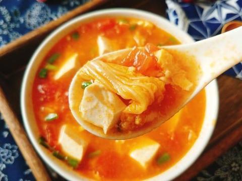 夏日炎热,多给家人喝这碗汤,营养丰富,鲜美开胃,赛过大鱼大肉