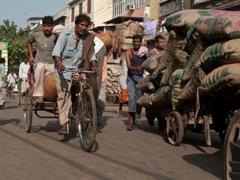 印度军火进口占全球12%,美俄都疯狂输出,购买军火有瘾的国家