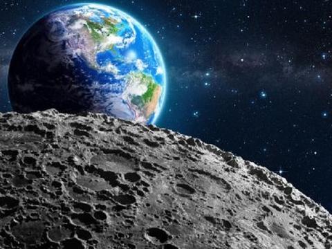 月球地表布满陨石坑,是帮地球抵挡陨石撞击留下的?