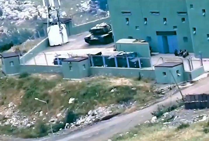 神秘武装突然杀入土耳其,大批土军坦克被毁,埃尔多安彻底慌了