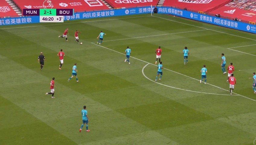 马夏尔内切后一支穿云箭!远射死角破门!曼联3-1伯恩茅斯