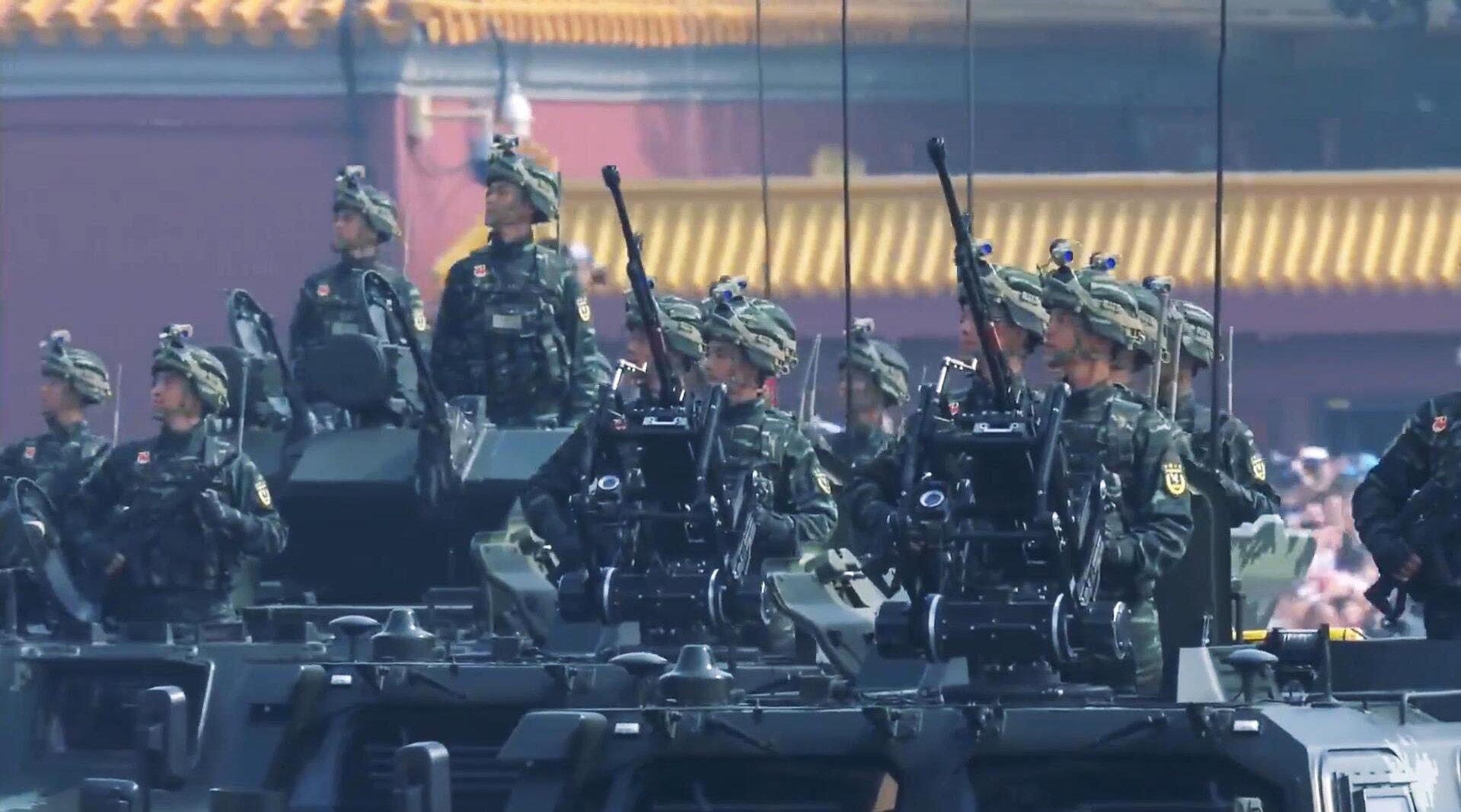 新中国70周年大阅兵,武警反恐突击方队受阅,时刻维护安定和谐!