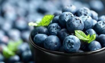"""水果中的""""蓝宝石"""" 抗氧化的""""小超人"""" 爆浆的蓝莓让你清凉一夏"""