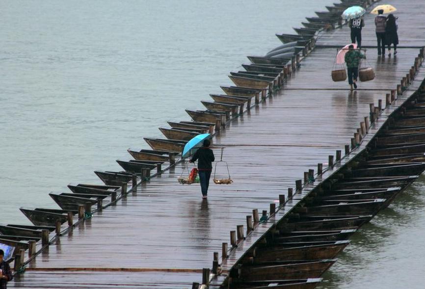 """江西又一古桥走红,人称赣州""""第一绝"""",""""百只小船""""成江南第一"""