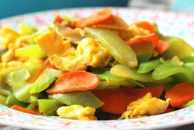 家常美食,莴笋双椒炒蛋,香菜梗爆里脊,洋葱爆猪肚
