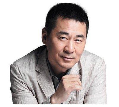 李亚鹏王学兵为陈建斌庆生,既是老乡又是同学,看颜值不像同龄人