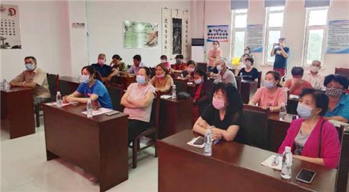 天津滨海:法律顾问进社区进行普法教育