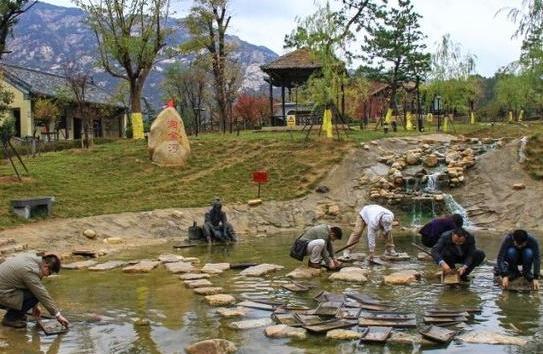 """中国""""壕无人性""""的景区,每月投放黄金20万"""