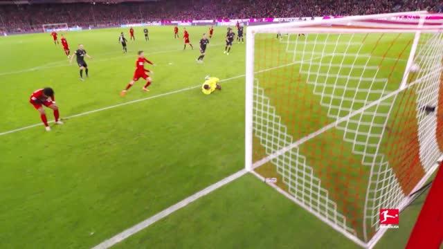 为你重现德甲经典进球⚽ 本期还原的是拜仁6-1不莱梅的比赛中……