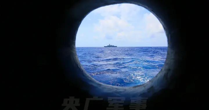 南海某海域!南部战区海军某护卫舰支队展开舰炮对海射击训练