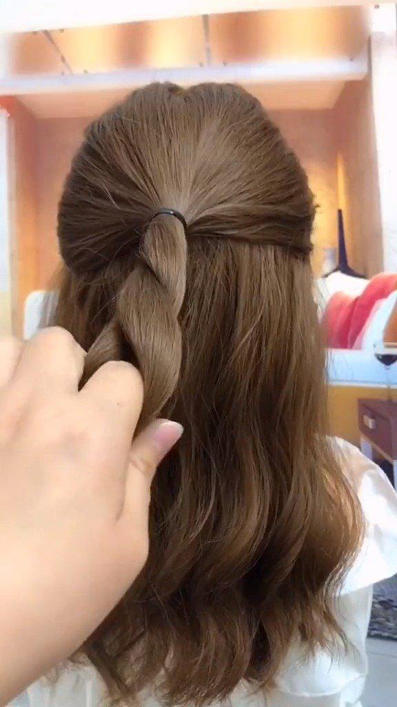 发型设计与编发扎发教程,三种披肩发你学会了吗