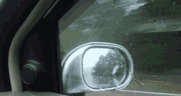 为什么老司机都在车里放块香皂?了解真相后,车友:下班就试试
