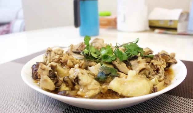 不清炒,不炖煮,大叔教你香菇滑鸡,鲜香味美,简单易做,超好吃
