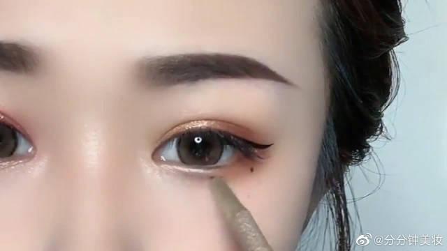 化妆卧蚕到底有多重要,瞬间眼睛放大了十倍!