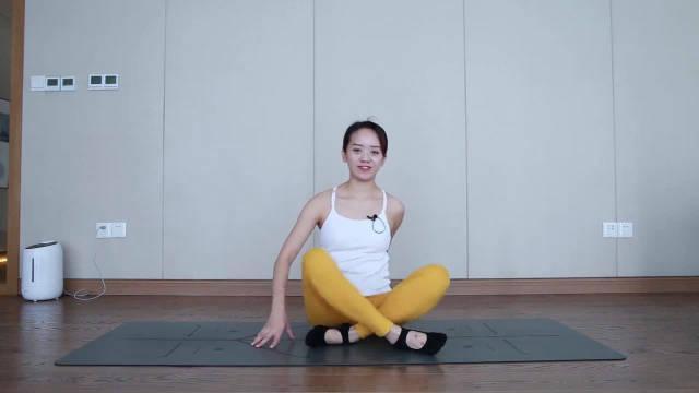 家庭腹部塑形训练,紧致腰腹肌肉线条,练完记得做一个拉伸放松