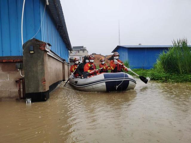 普洱梦莲:许多被淹房屋中的人被乐城