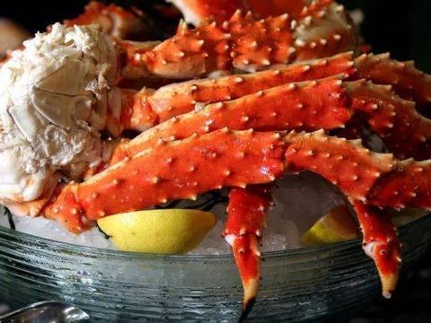 帝王蟹泛滥的国家,帝王蟹数量高达2000万,但当地人却不喜欢吃
