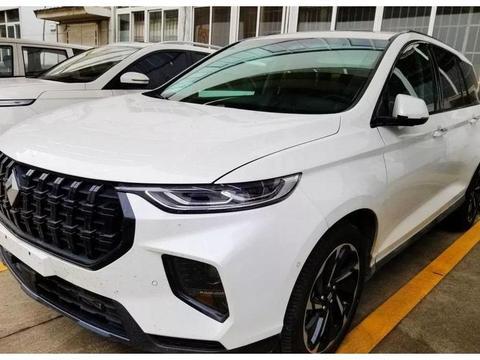 新宝骏RS-7实车曝光,定位中大型SUV,设计语言很时尚