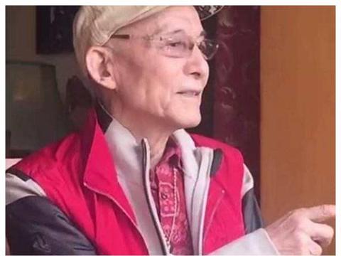 """87岁""""济公""""拍抖音,短短几个字一首歌,让80、90后落泪!"""