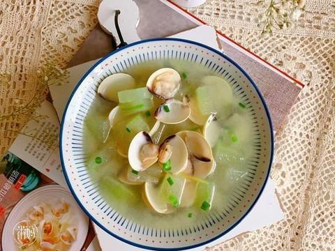 小暑节气吃什么好,时令蔬菜最养人,8款蔬菜汤要多吃,清热消暑