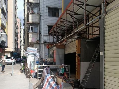 深圳发生一件事件,地点位于坂田,房东的做法令人气愤