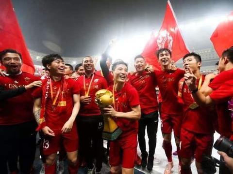 上港核心讲出中国外援心声:球迷听后表示理解!